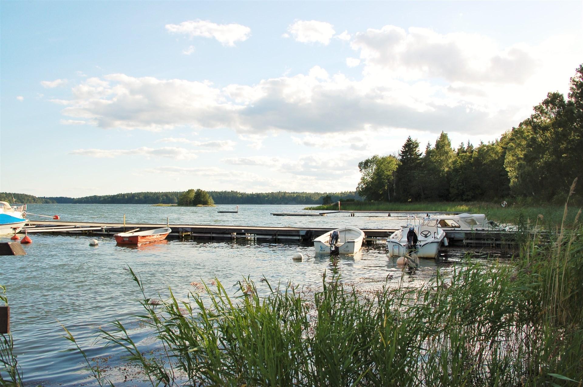 Privat bild samfällighetens båtplatser