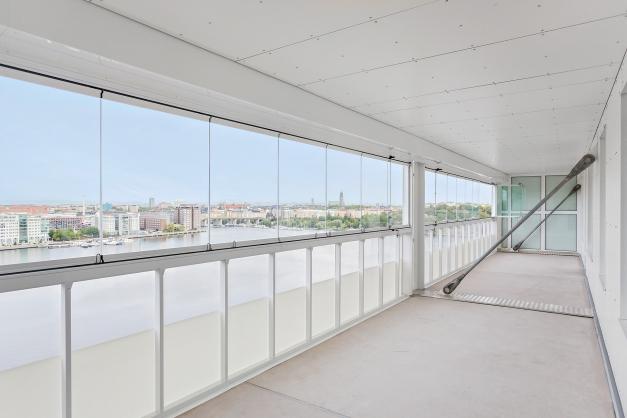 Pampig balkong med panoramavy