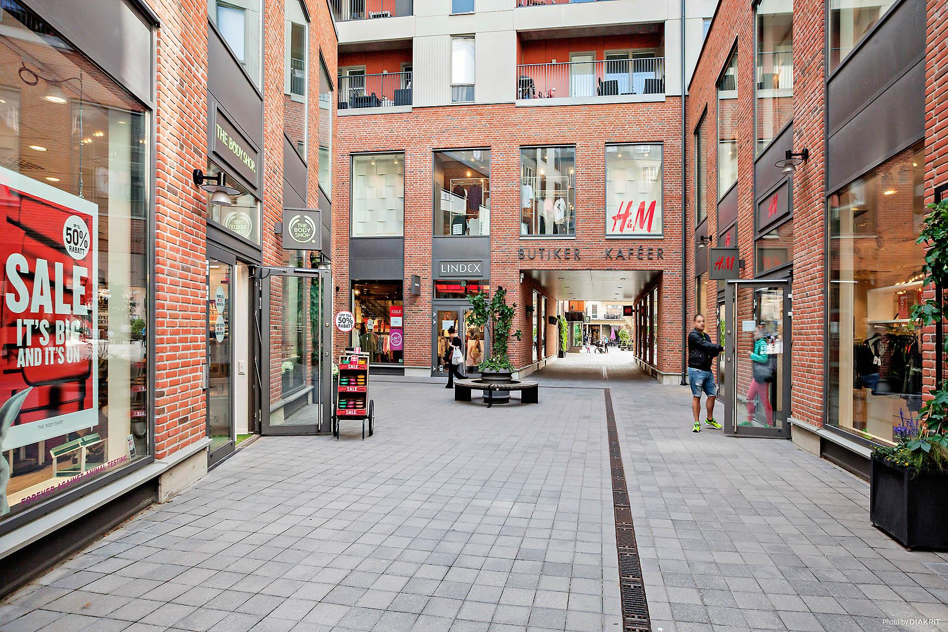 Shopping i Signal Fabriken Sundbybergs Centrum