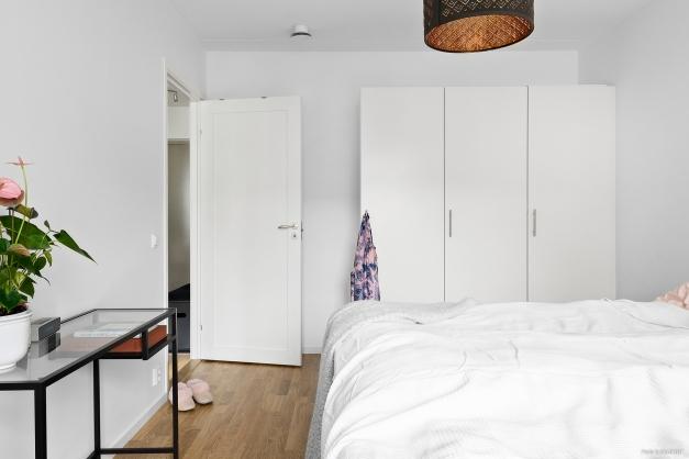 Sovrum med garderober
