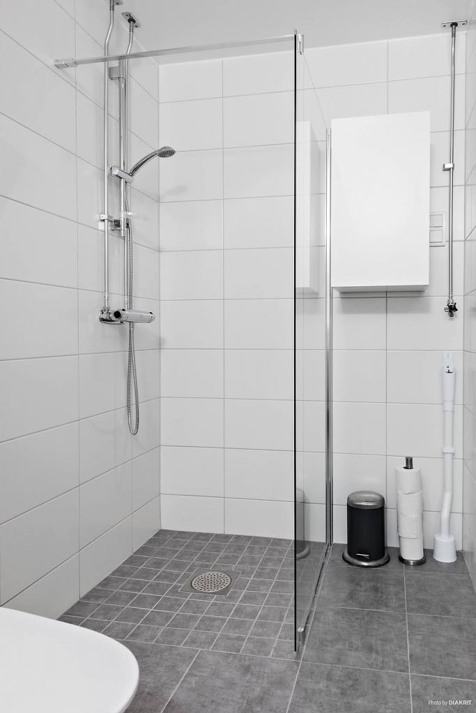 Det helt nyrenoverade badrummet. (Renoverades i samband med stambytet nu i november).