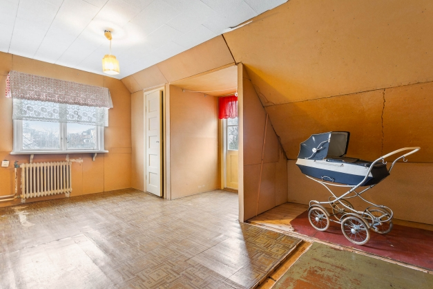 Stora sovrummet på övre plan - kan bli två sovrum