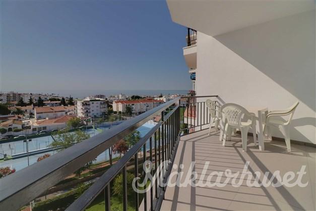 Härlig terrass med havsutsikt