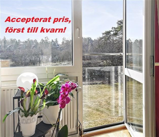 Välkommen till Ekvägen 2 mitt i Saltsjöbadens skärgårdsidyll!