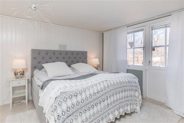 Det största sovrummet i sutterängplan