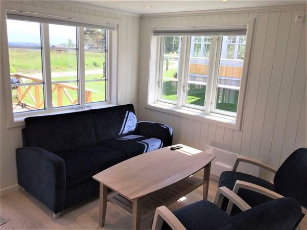 Vardagsrum/kök med utsikt