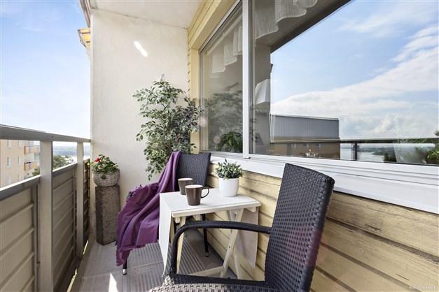 Balkong från liknande lägenhet