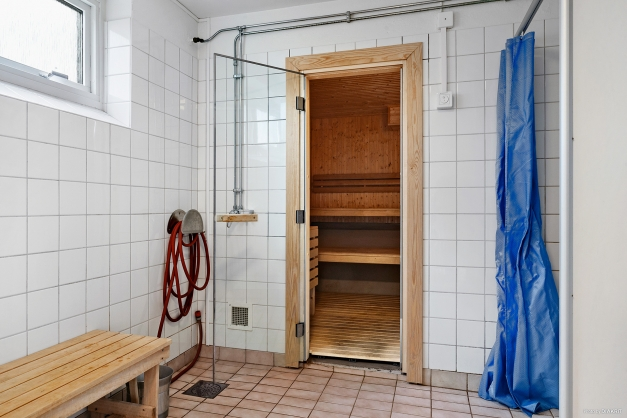 Bastu och dusch att hyra