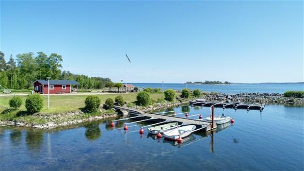 Båthamnen i området
