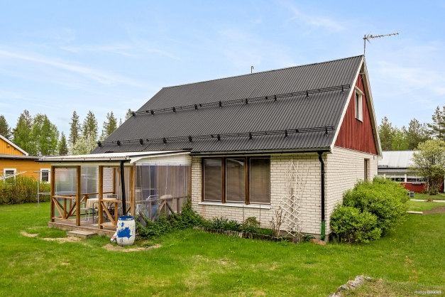 1½-plans villa på Furuvik
