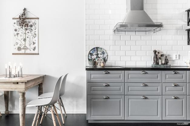 IKEA-kök från 2016 med bänkskiva i kvarts
