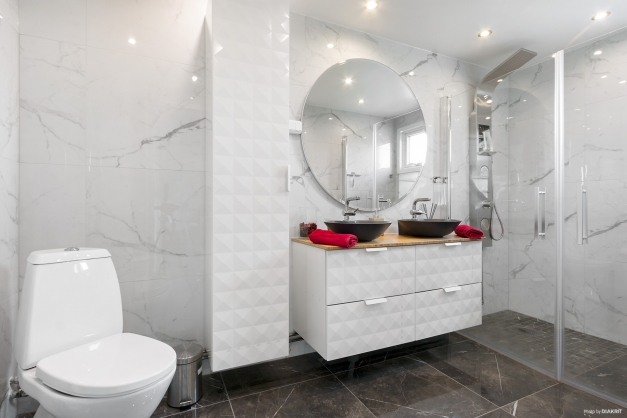 Helkaklad badrum renoverat 2020.