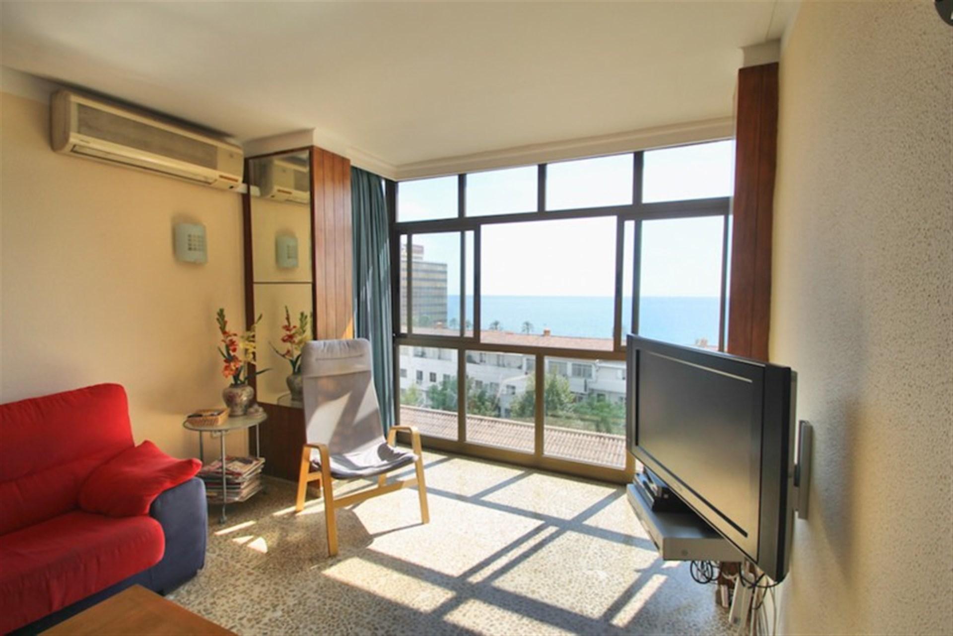 Vardagsrum med fin havsutsikt