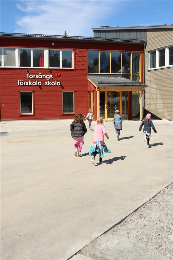 Torsångs nya skola