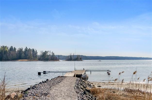 Brygga där du har båtplats