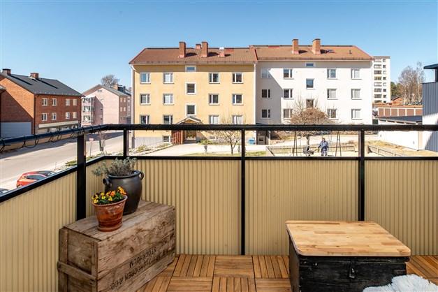 Stor och fin balkong i västläge!