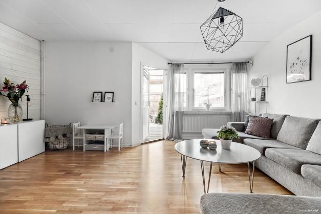 Ljust och möblerbart vardagsrum