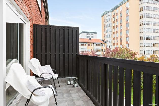 Balkong invid vardagsrum - mellanplan