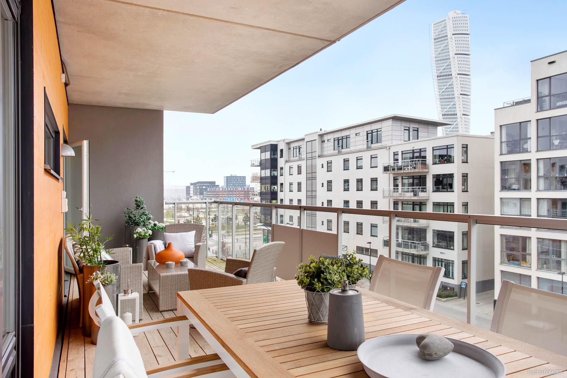 Terrassliknande balkong