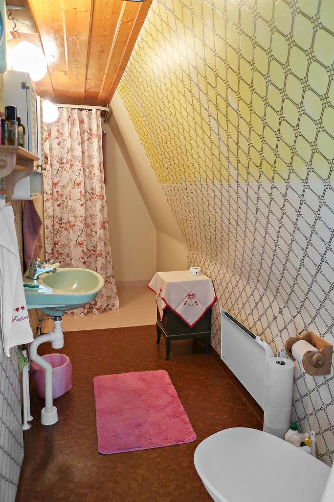 Badrum på övervåningen.