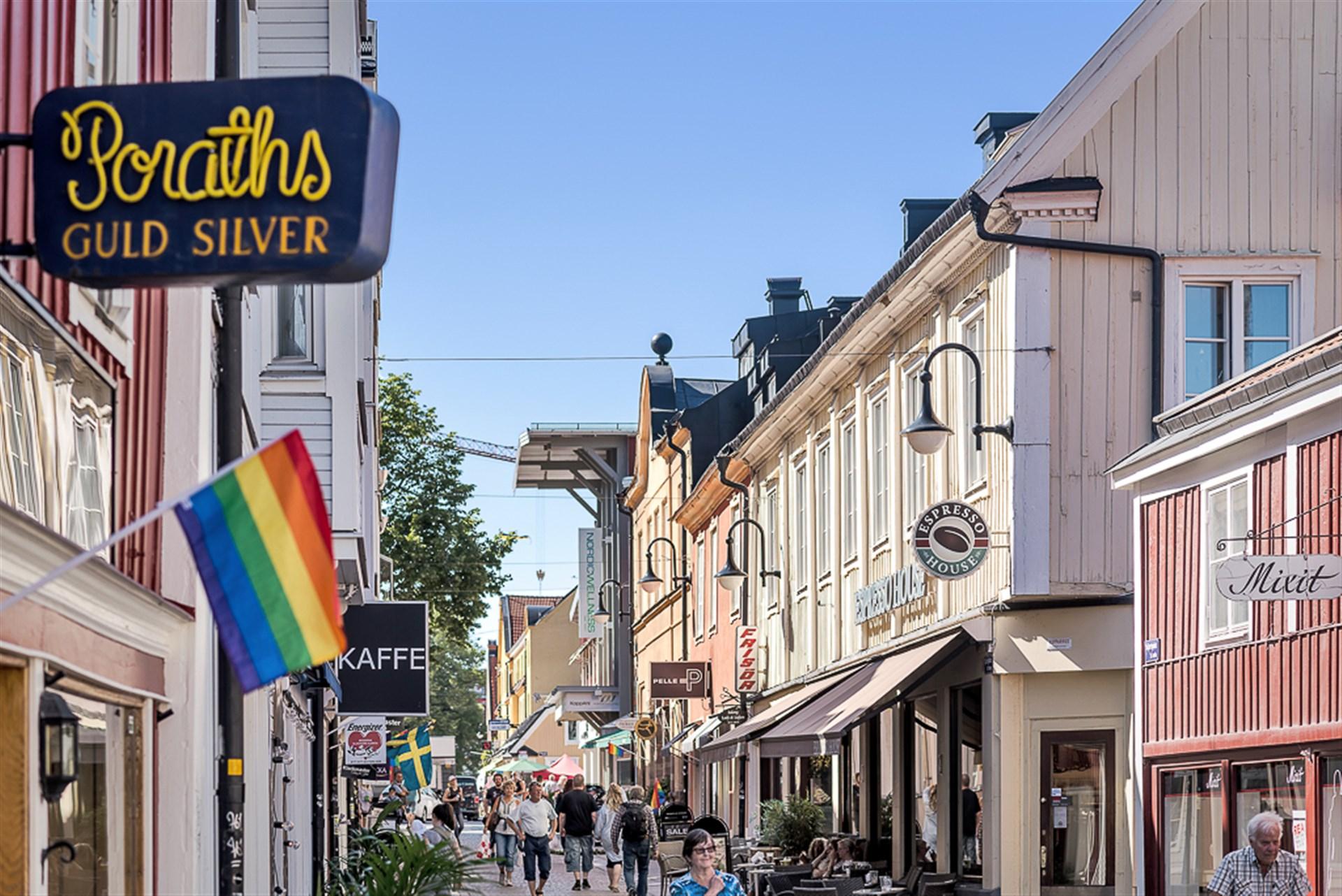 Gågatan i  Norrtäljes charmiga Stadskärna.