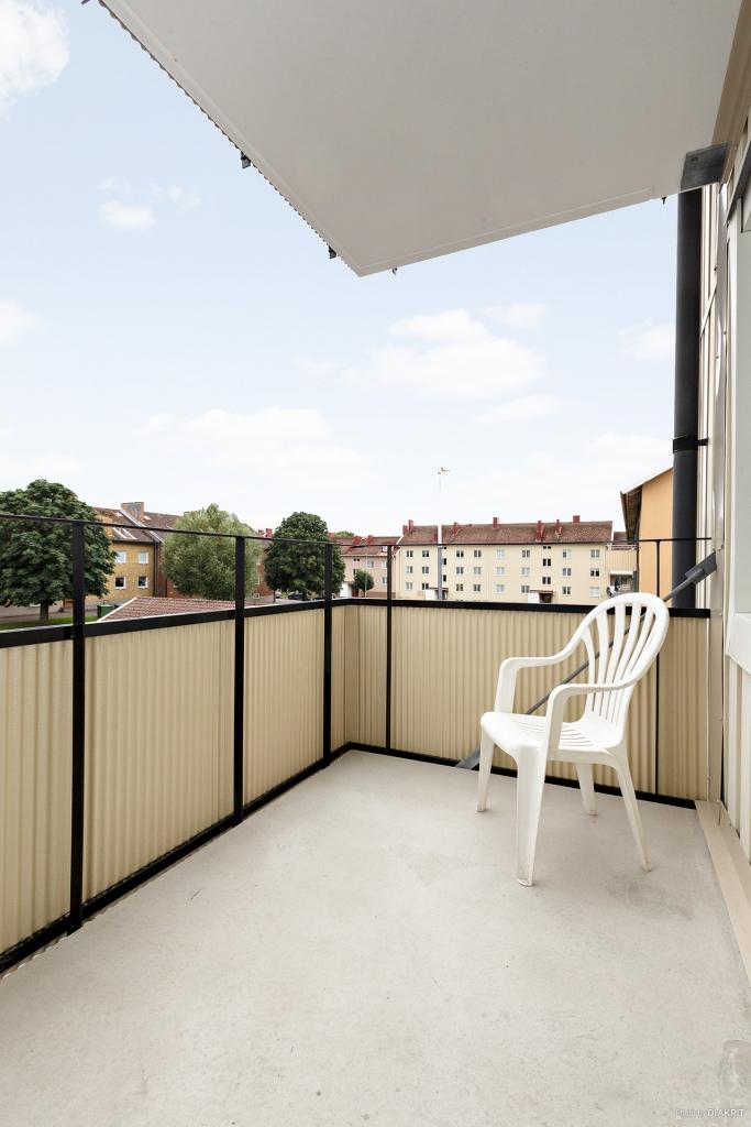 Nyrenoverad, rymlig balkong