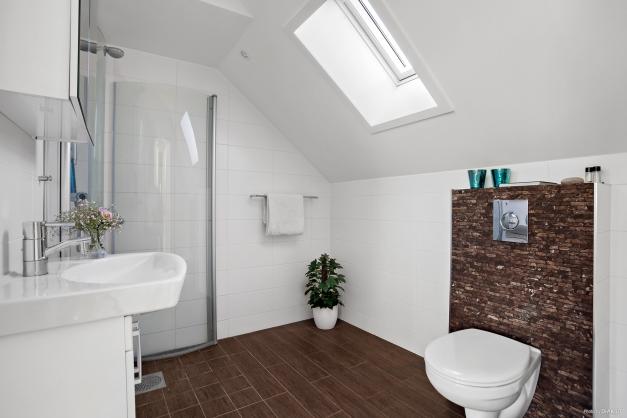 Nyrenoverat badrum 2015, beläget på våningsplan