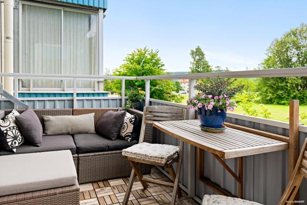 Rymlig balkong med söderläge
