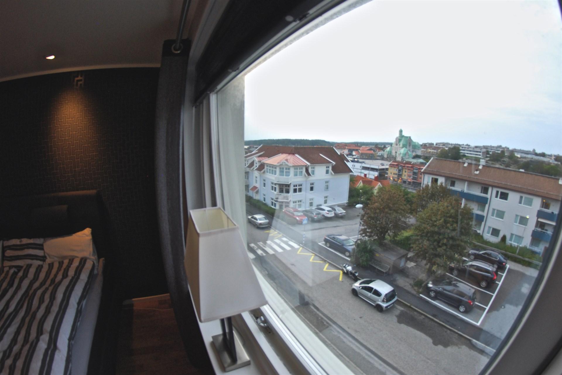 Utsikt från sovrummet.