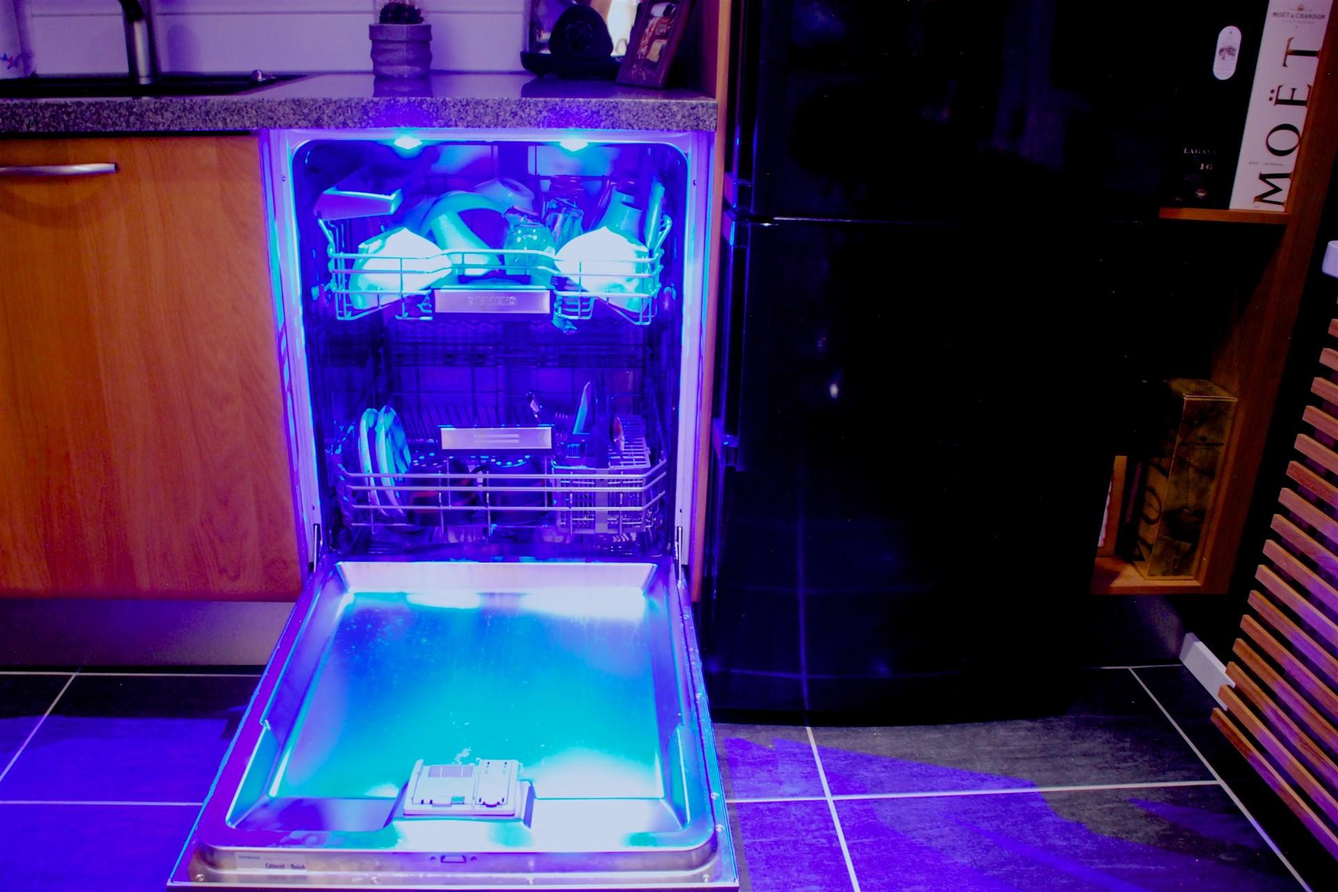 Ljus i diskmaskinen.