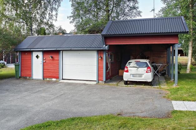Förråd, garage och carport