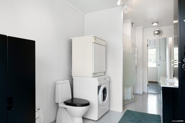 Duschrum med tvätt/tork.