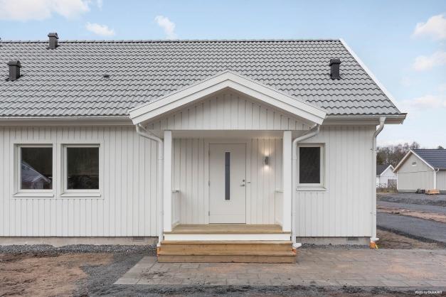 Välkomna till Stråvalla och ett nyproducerat boende i 1½ plan i parhus och bostadsrättsform!