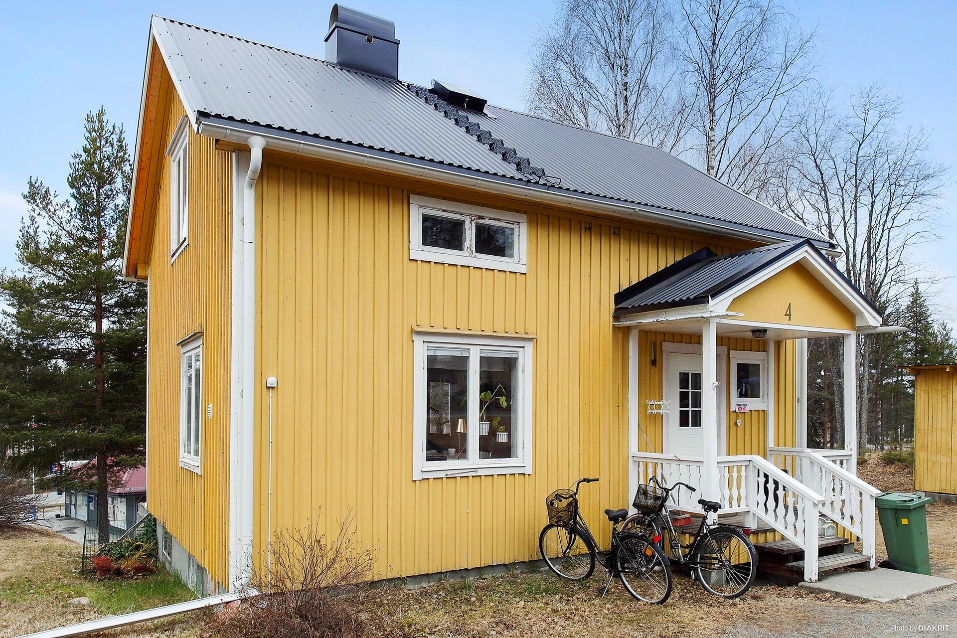 Charmig 1½ plans villa med källare, på Furuvik!