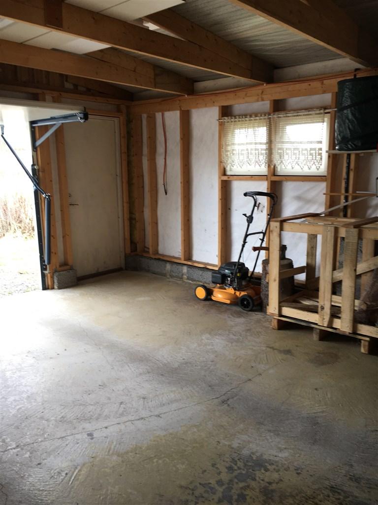 Garage i anslutning till bostadshuset