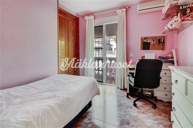 Sovrum med balkong