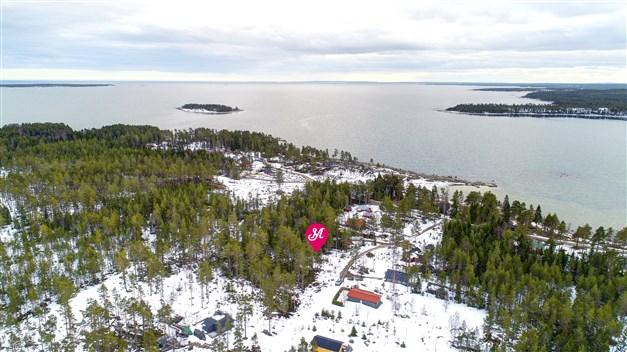 Välkomna till Hårtes norra del - här finns tomten som är till salu
