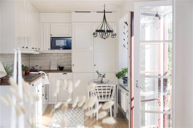 Kök och fransk balkong
