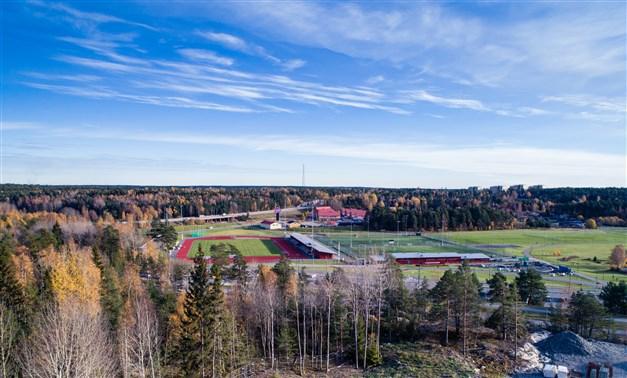 Utsikt mot idrottsplatsen