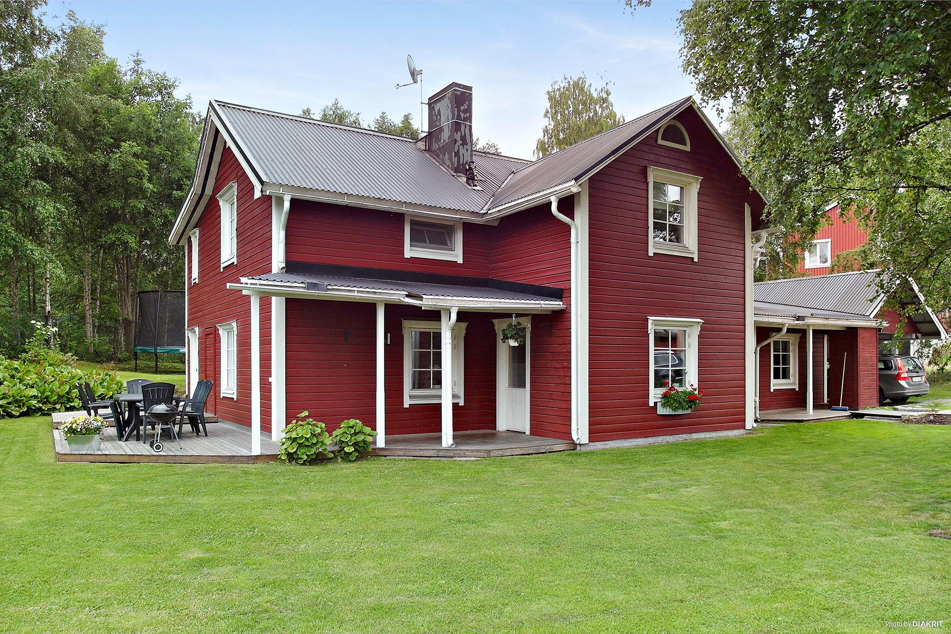 Charmig 1½ plans villa.
