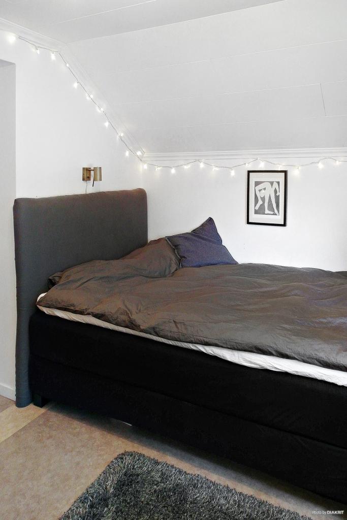 Sovrum 2 på övervåningen.