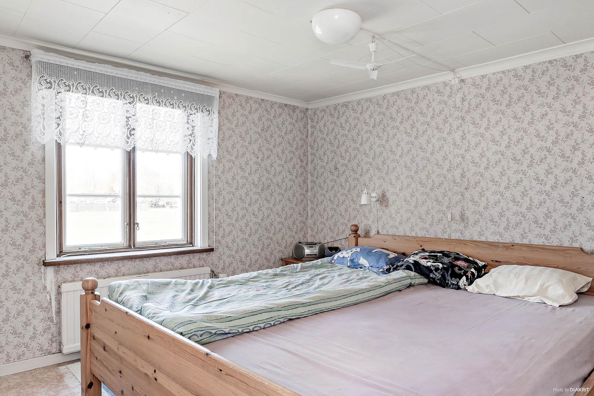 Sovrum ett övervåning