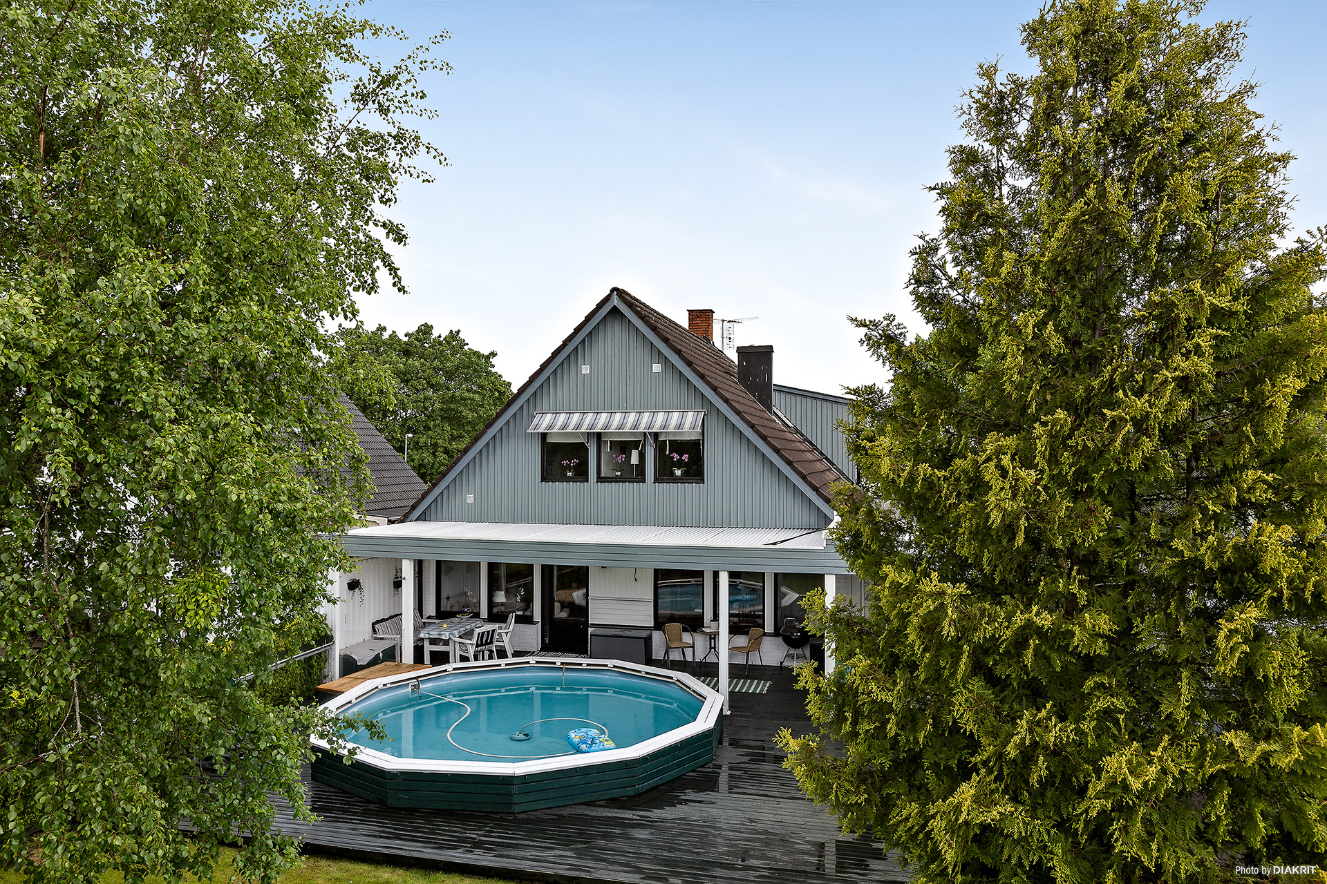 Uteplats med pool