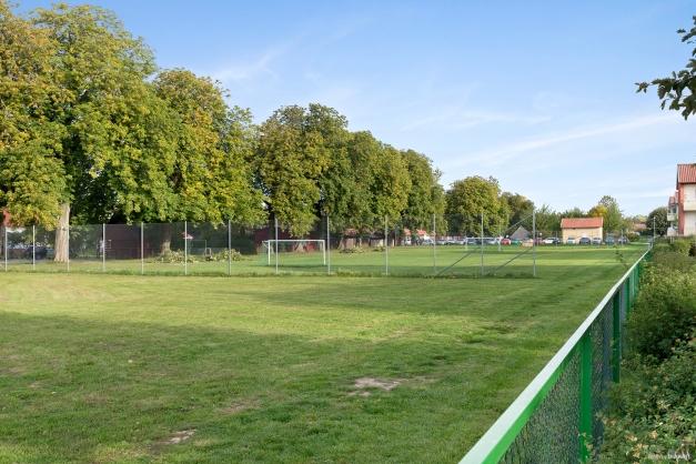 Parkområde med fotbollsplan