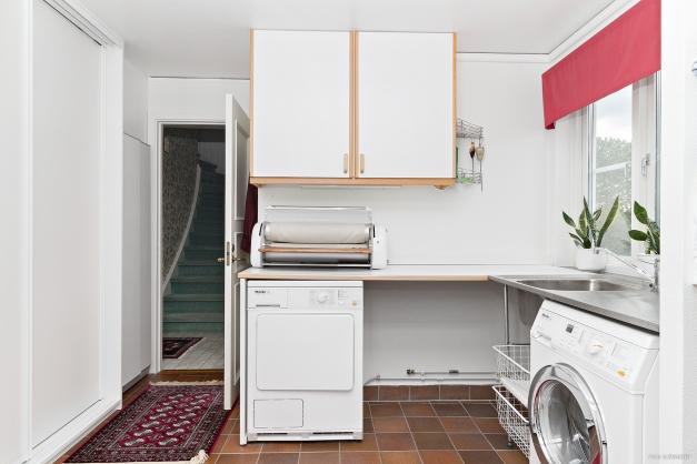 Tvättstuga med groventré
