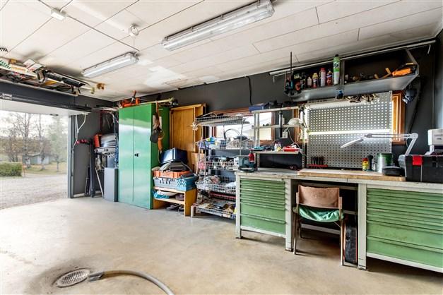 Varmbonat och extra brett garage