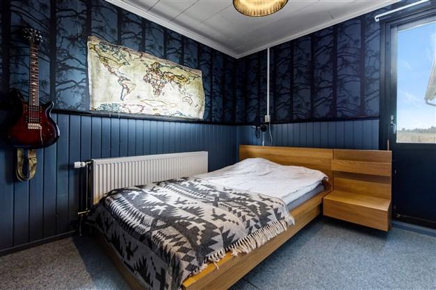 Sovrum i biareadelen (garagedelen)