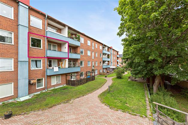 Innergård och balkong