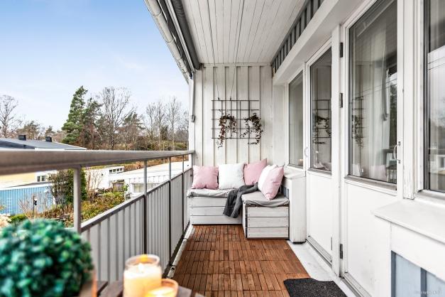 En underbar balkong med fri sikt!