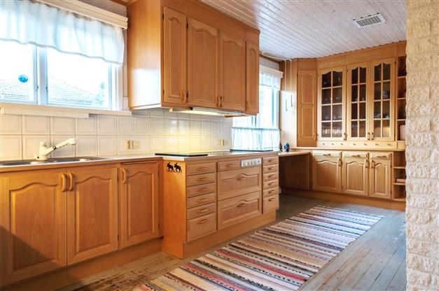 Stort och gediget kök (Kvänum kök, -88)